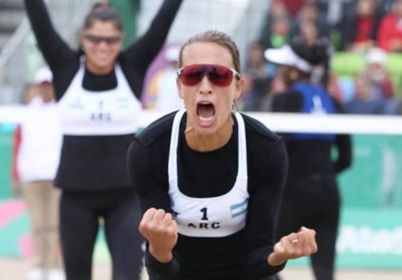 Luego de la habilitación de la práctica del beach volley en Mar del Plata (en donde vive), Ana Gallay volvió a los entrenamientos. Lo hizo junto a Fernanda Pereyra, su compañera de dupla. La entrerriana dialogó conLa Cábala y reveló queintentará dar pelea para llegar a Tokio 2021.