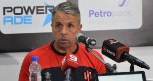 Gustavo Álvarez continuará dirigiendo a Patronato