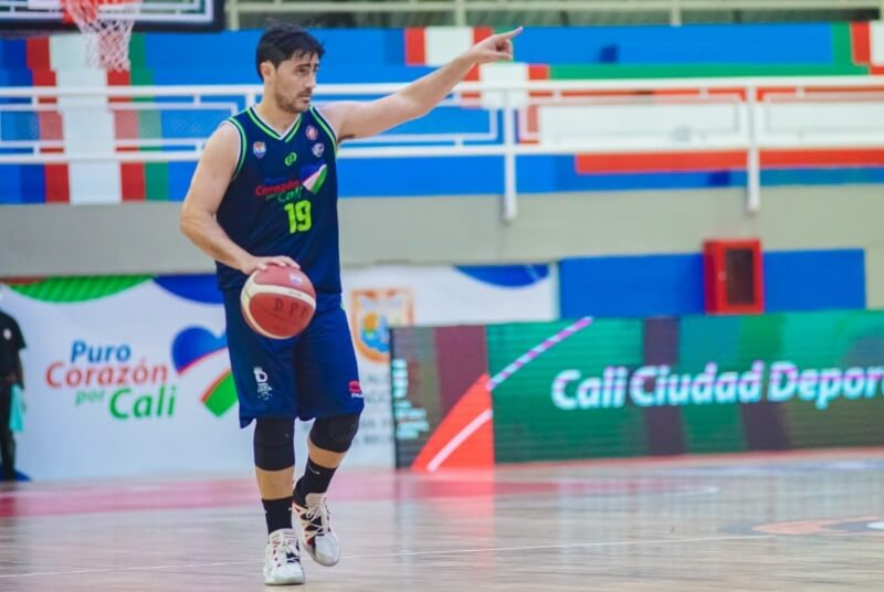 El experimentado basquetbolista paranaense Juan Cantero reveló detalles de su experiencia en Colombia. Su camino en tierrascafeteras recién comienza y sus primeras impresiones del básquet colombiano son interesantes. La palabra de jugador.