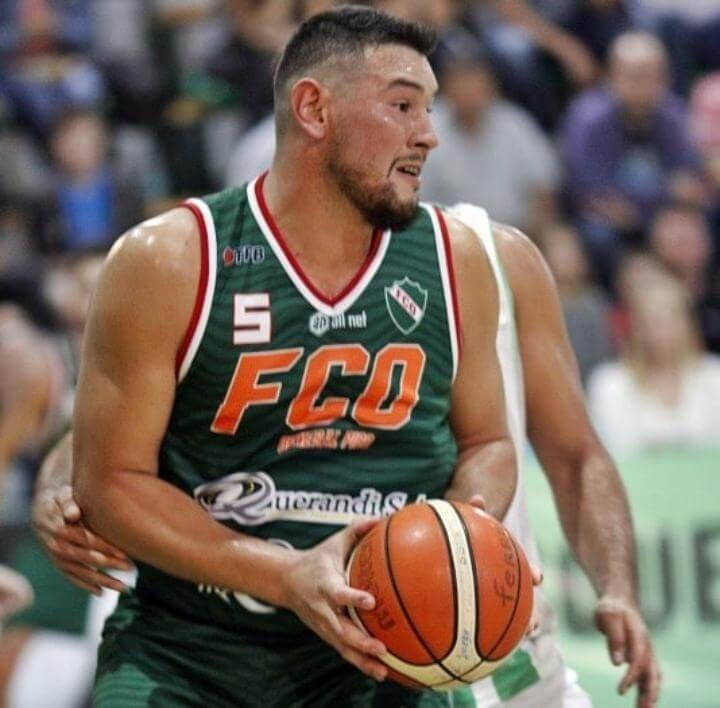 El pivot de 28 años, Martín Chervo, se transformó en la tercera incorporación del Club Echagüe y dialogó con La Cábala de cara al comienzo de la Liga Argentina el próximo 19 de febrero.