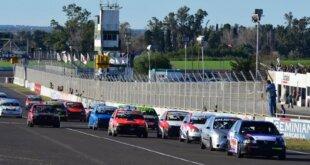 Paraná volvió a tener acción de pista este fin de semana en las categorías provinciales. El automovilismo entrerriano regresó a la capital provincial luego de un año sin actividad.