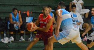 Echagüe venció a San Isidro por 79-72 en el marco de la segunda burbuja de la conferencia norte. Tras nueve encuentros disputados en la Liga, el Negro sumó en el día de hoy, su cuarta victoria en lo que va de la competencia.