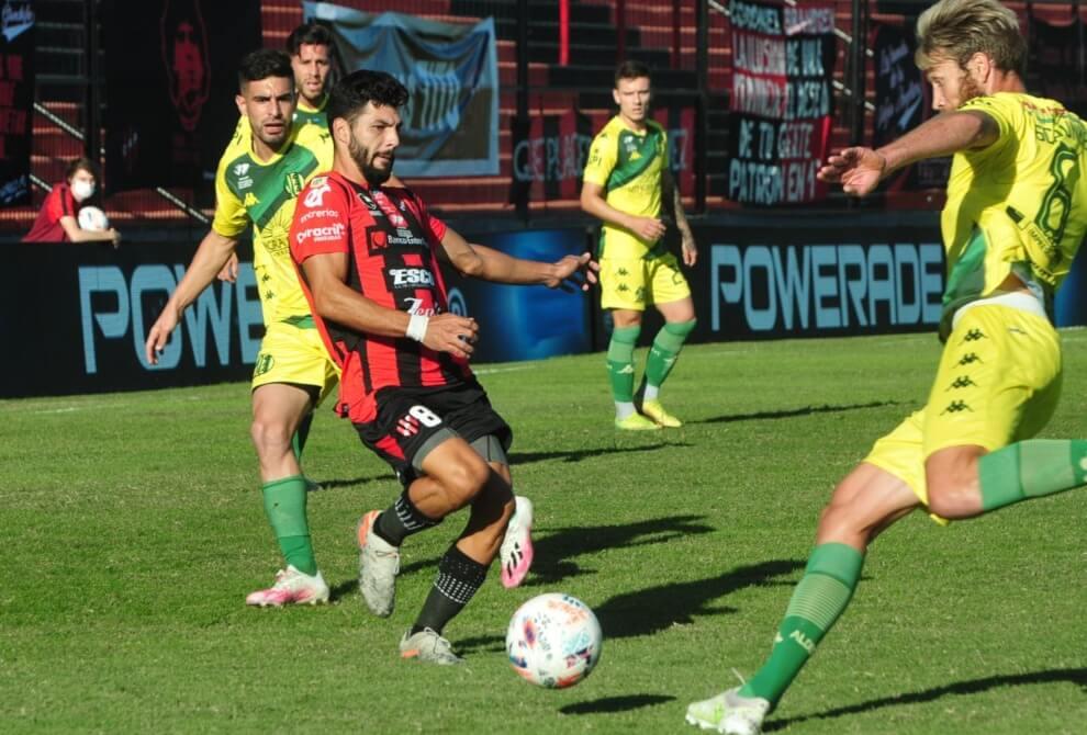Este viernes, Patronato logró su resurrección derrotando a Aldosivi por 2-0. El Patrón llegó al gol por medio de Oliver Benítez y Lautaro Comas. Federico Milo (en el banco) y Joaquín Indacoechea vieron la tarjeta roja. Es la primera victoria delRojinegro en el torneo.